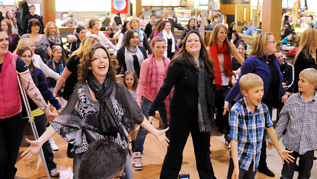 Christmas flash mob phenomenon delights shoppers